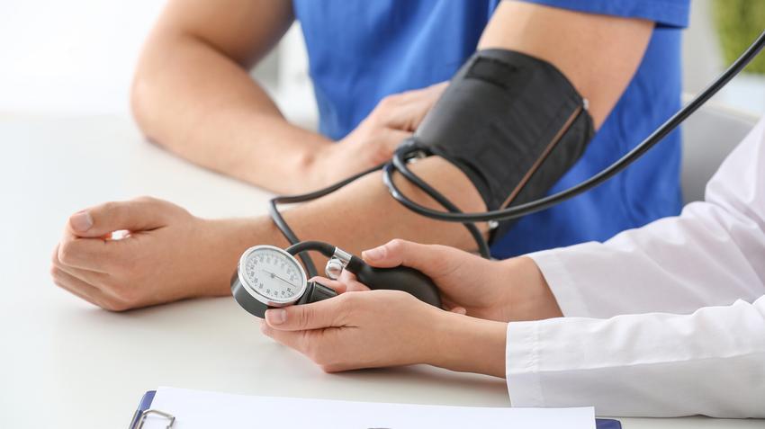 hogyan ébredj fel magas vérnyomás esetén