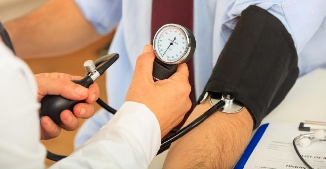 milyen fájdalomcsillapítókat lehet szedni magas vérnyomás esetén