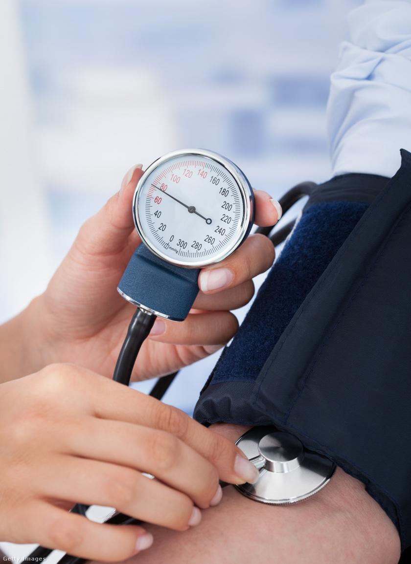 magas vérnyomás képes pumpálni a sajtót