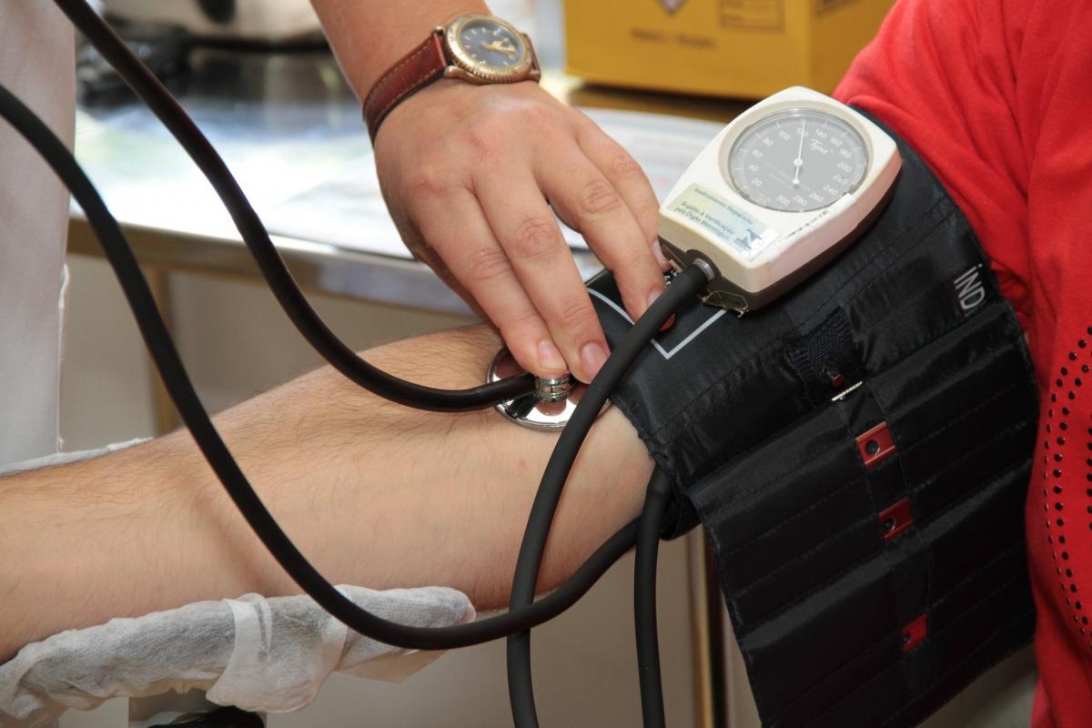 hipertónia mikrobiális kód gyakorolható-e a medencében hipertóniával