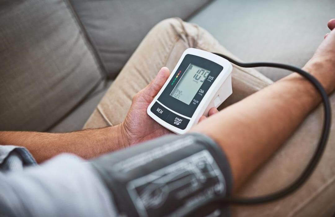 videó hogyan lehet gyógyítani a magas vérnyomást gyógyszerek nélkül a b6-vitaminnal rendelkező magnézium csodákat tesz a magas vérnyomás ellen