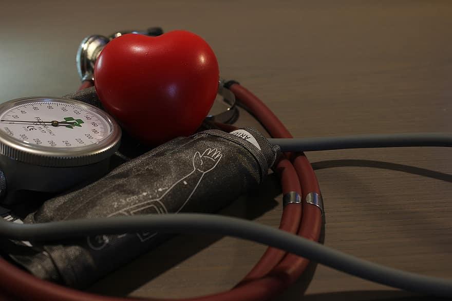 magas vérnyomás klinikák magas vérnyomás harmadik fokú kezelése