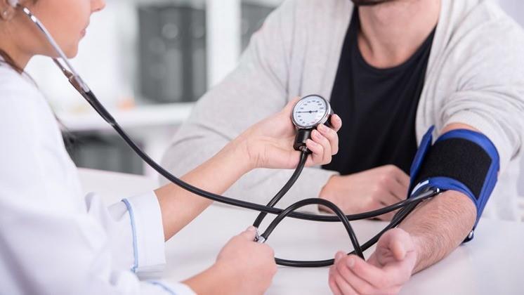pajzsmirigy hipertónia Hogyan tudtam megszabadulni a magas vérnyomástól